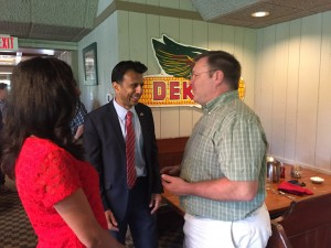 Jindal and his wife Supriya talk to a local high school government teacher at the Machine Shed (photo credit: Shane Vander Hart)