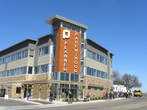 A Planned Parenthood facility in St. Paul, MN (photo credit: Fibonacci Blue via Flickr, CC BY 2.0)