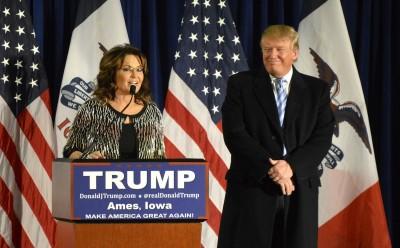 Former Alaska Gov. Sarah Palin endorses Donald Trump for president in Ames, IA (photo credit: Alex Hanson via Flickr, CC BY 2.0)